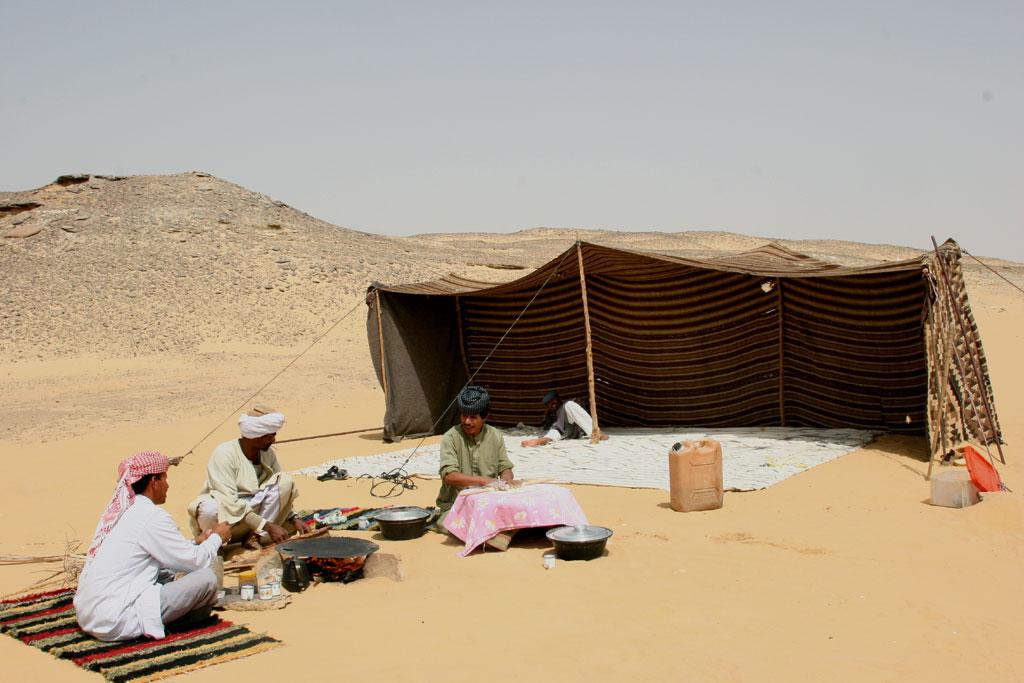 Çöldeki Bedeviler ve Çadır
